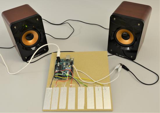 Zapojenie Arduina pri konštrukcii mini-klavíra