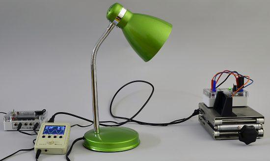 1. Skúmanie blikania žiarovky