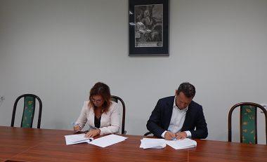 Podpísanie zmluvy a memoranda